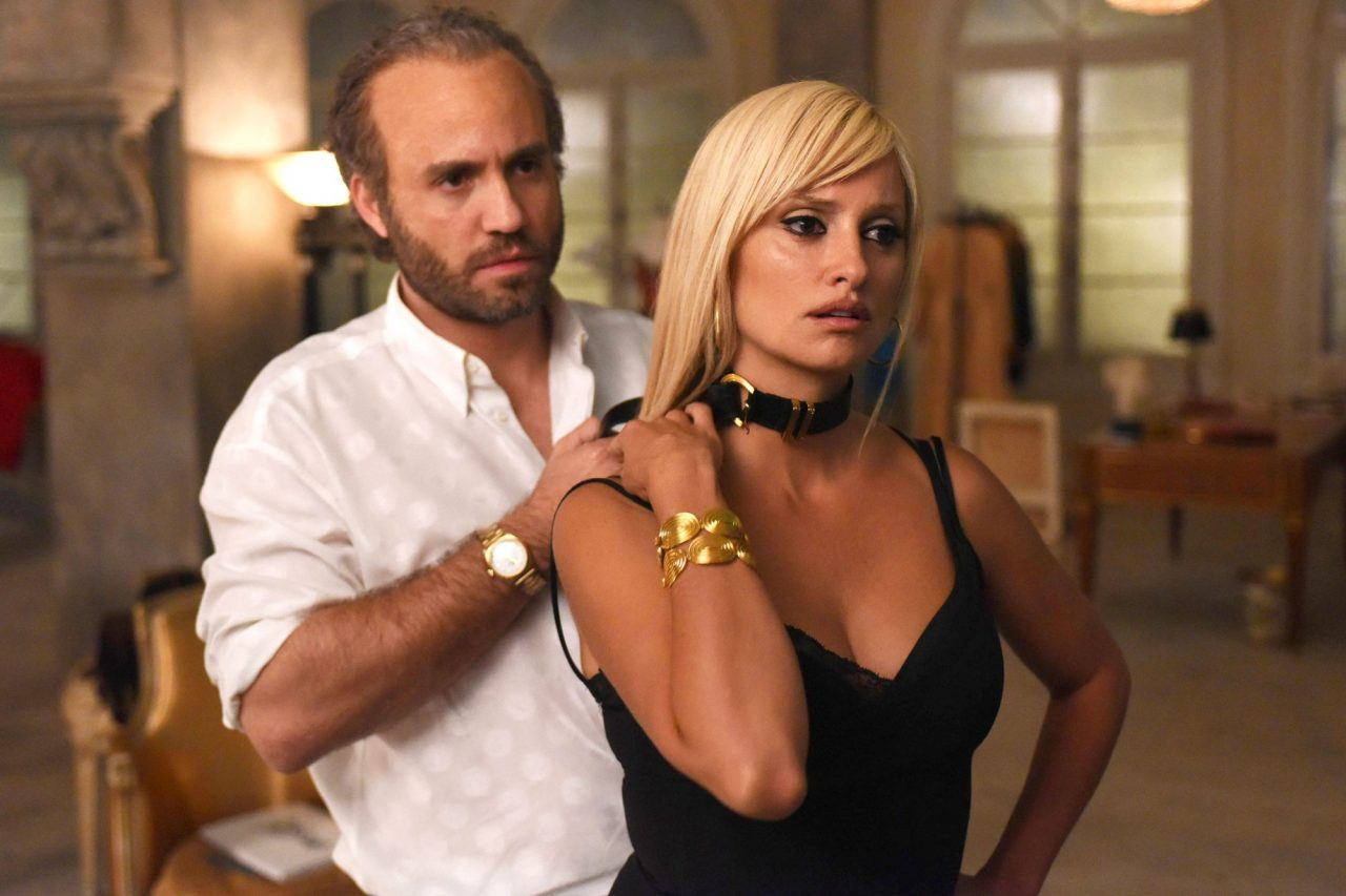 Edgar Ramirez as Gianni Versace, Penelope Cruz as Donatella Versace