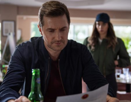 Richard Armitage in The Stranger